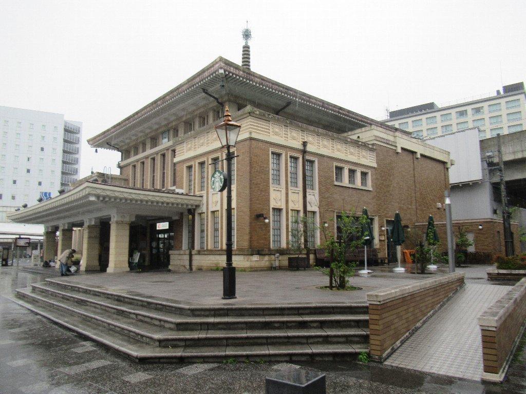 奈良駅は、奈良県奈良市三条本町にある、JR西日本の駅。