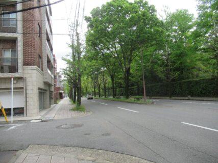 北山通は、京都市の主要な東西の通りの一つである。