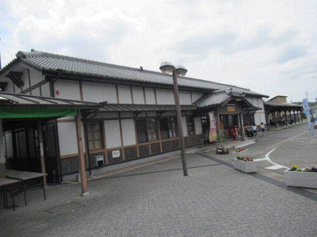 三木駅は、兵庫県三木市福井2丁目にあった三木鉄道三木線の駅(廃駅)。