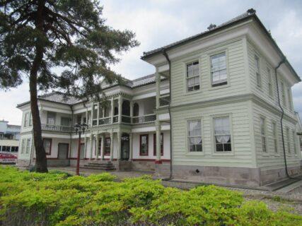 桐生明治館は、群馬県桐生市相生町にある、明治初期の擬洋風建築。