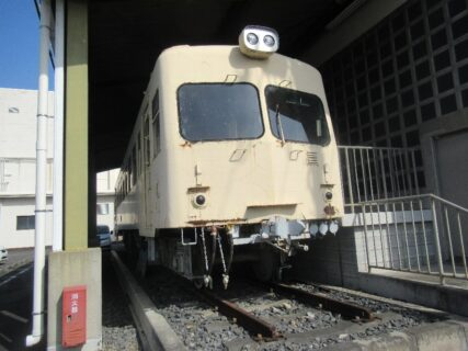 熊谷市立妻沼展示館の東武熊谷線キハ2002。