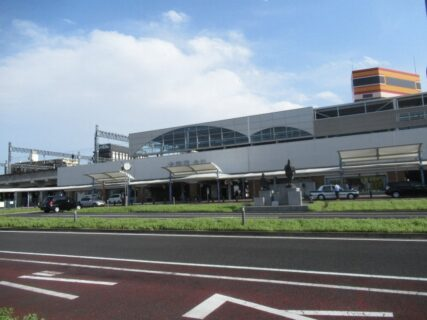 太田駅は、群馬県太田市東本町にある、東武鉄道の駅。