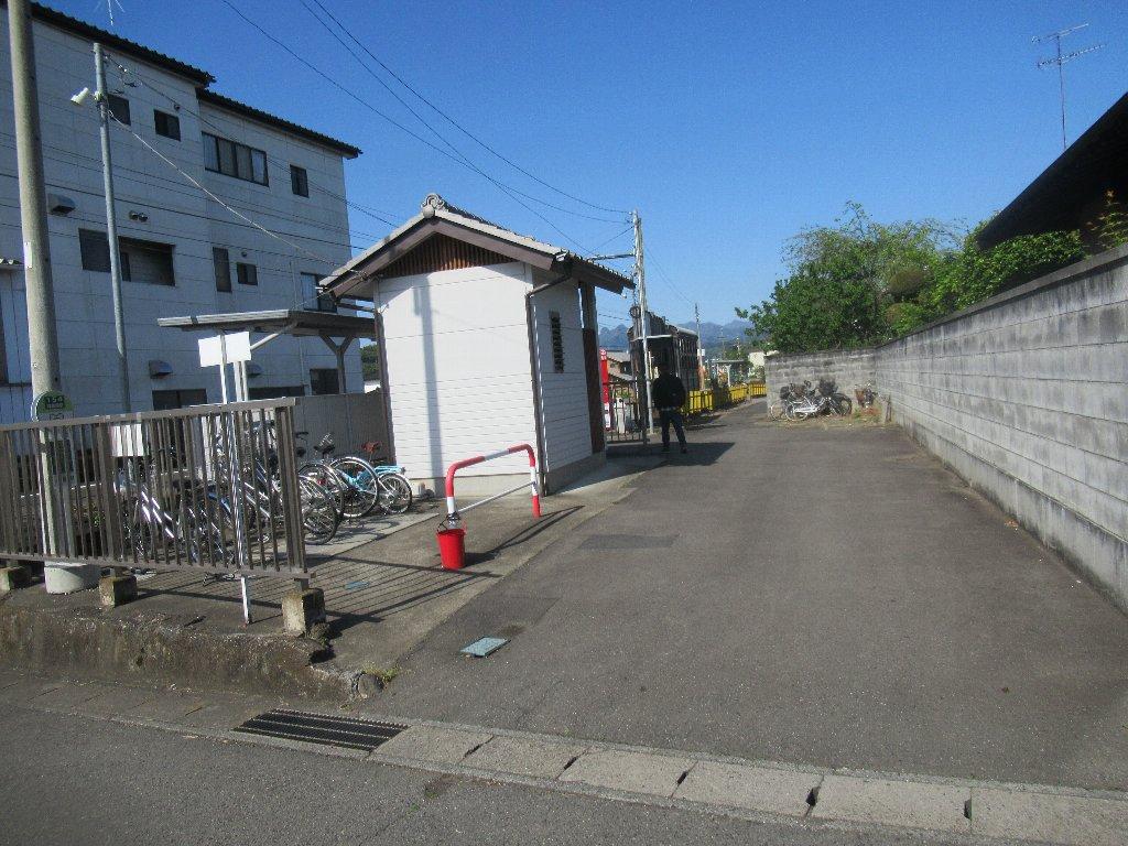 神農原駅は、群馬県富岡市神農原にある、上信電鉄上信線の駅。
