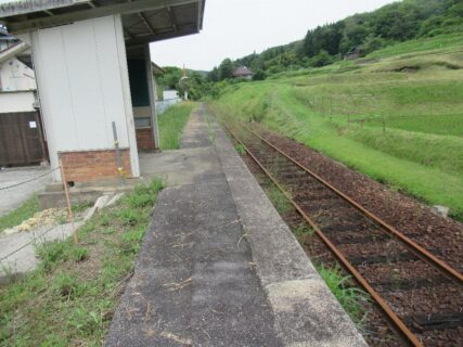 粟屋駅は、広島県三次市粟屋町にあったJR西日本三江線の駅(廃駅)。