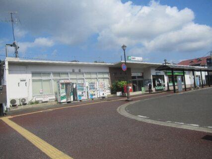 塩釜駅は、宮城県塩竈市東玉川町にある、JR東日本東北本線の駅。
