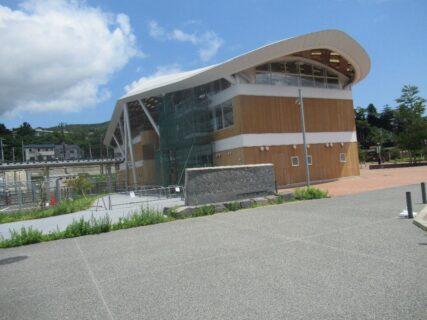 女川駅は、宮城県牡鹿郡女川町女川浜字大原にある、JR東日本石巻線の駅。