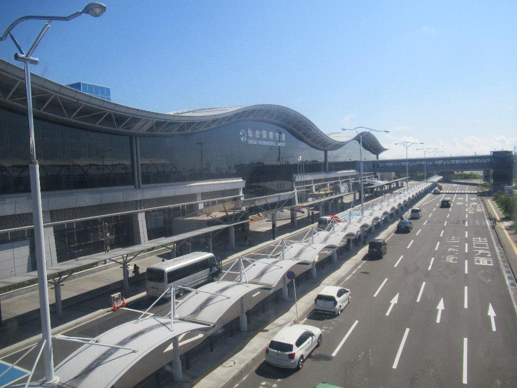 仙台空港から神戸空港までのフライトです。