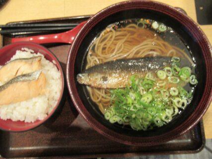 近鉄京都駅構内の麺ざんまいでランチです。