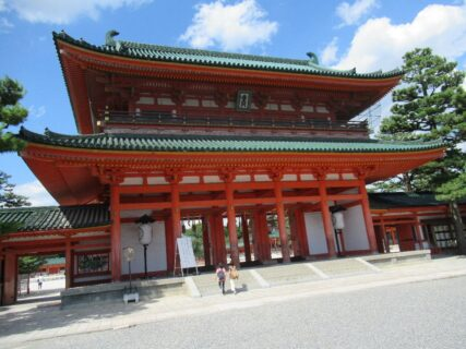 平安神宮は、京都市左京区にある神社。