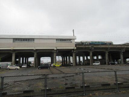 児島駅は、倉敷市児島駅前一丁目にある、JR西日本・JR四国の駅。