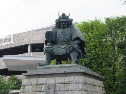 甲府駅と言えば、武田信玄公之像ですな。
