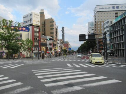 甲府駅南口あたりを散策してみますか~。
