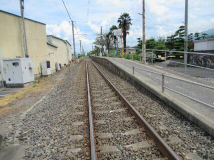 赤星駅は、愛媛県四国中央市土居町津根にある、JR四国予讃線の駅。
