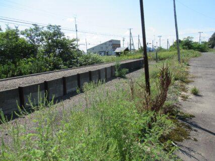 晩生内駅は、北海道樺戸郡浦臼町にあった、JR北海道札沼線の駅(廃駅)。