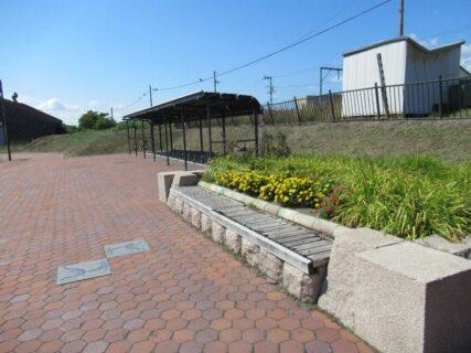 浦臼駅は、北海道樺戸郡浦臼町にあった、JR北海道札沼線の駅(廃駅)。