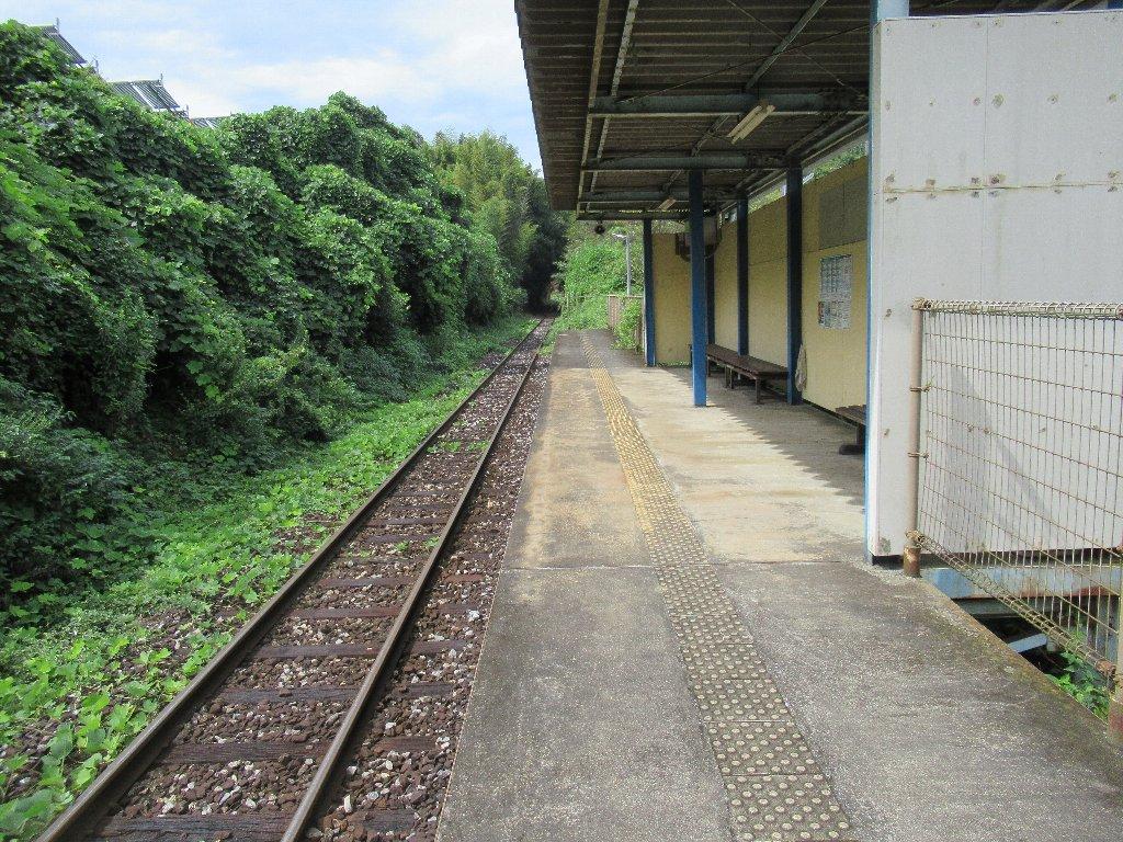 源じいの森駅は、福岡県田川郡赤村にある平成筑豊鉄道田川線の駅。