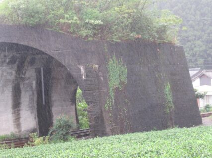 日本一短いトンネル?、川根電力索道用保安隧道。