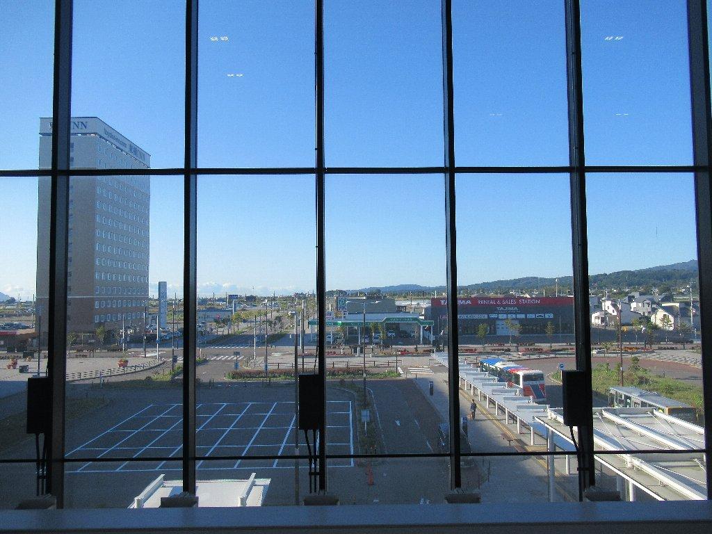 新函館北斗駅から青森駅に向かいます、てか戻ります。