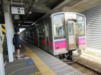 奥羽本線の普通列車で、新青森駅から青森駅へ移動します。