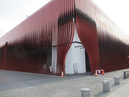 ねぶたの家ワ・ラッセは、青森県青森市にある文化観光交流施設。