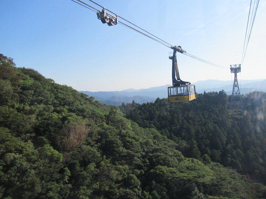 太龍寺ロープウエイは、日本で最初の山越えを行うロープウェイ。