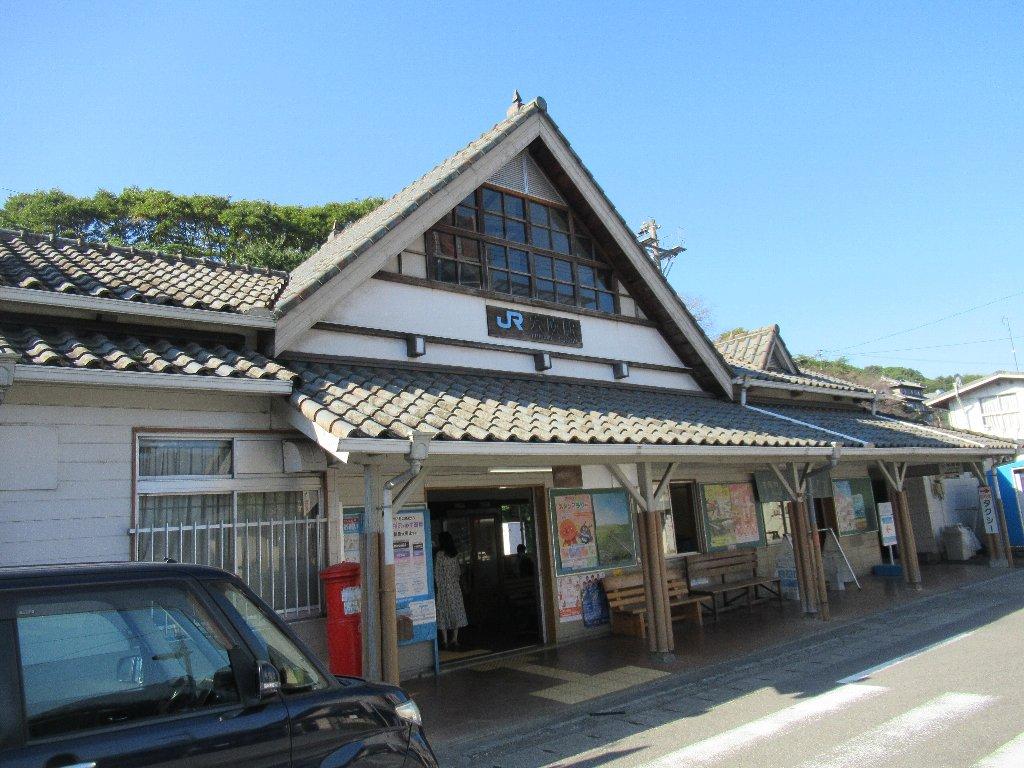穴吹駅は、徳島県美馬市穴吹町穴吹字岩手にある、JR四国徳島線の駅。