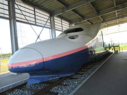 E4系新幹線先頭車両でございますよ。
