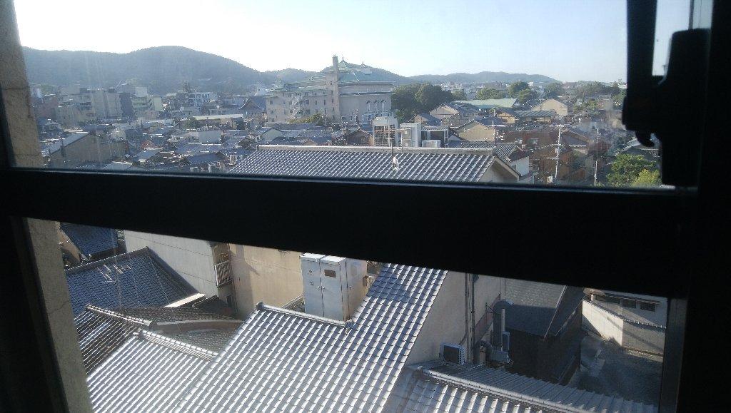 ♪朝はよぉ起きて~東山ぁ見ればぁ