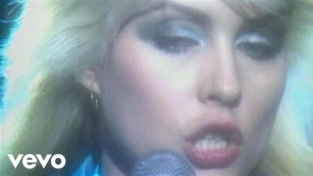Blondie – (I'm Always Touched By Your) Presence, Dear