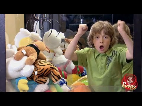 Kid Trapped In Claw Toy Machine Prank