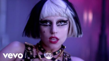 Lady Gaga – The Edge Of Glory