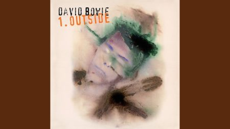 Segue – Algeria Touchshriek – David Bowie