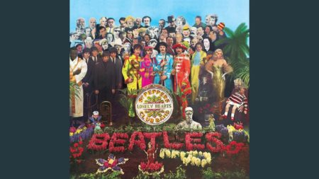 Sgt. Pepper's Lonely Hearts Club Band – The Beatles