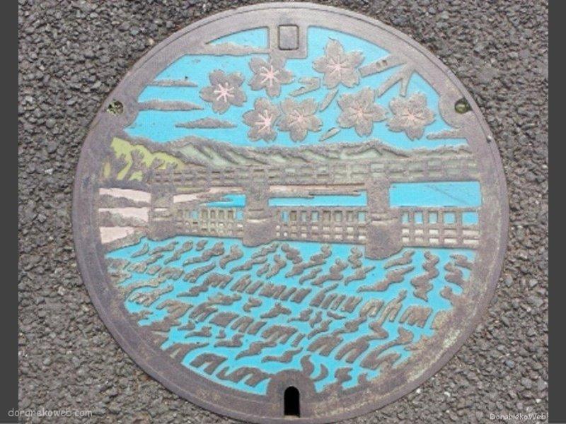 青梅市(東京都)の「フタw」